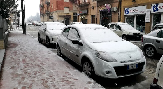Piazza Armerina - Forti nevicate la notte scorsa e in mattinata [VIDEO]