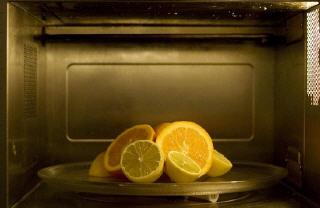 Pulire forno elettrico da grasso bruciato